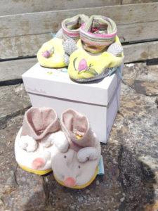 2 paires de chaussons Moulin Roty trop mignonnes !